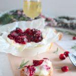 Camembert Rôti aux noix et sirop de cranberry