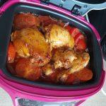 cuisses de poulet mexicaines avec tomate et oignon